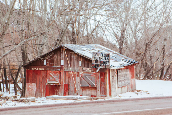 Old shack selling fruit and cider near Cloudcroft in New Mexico, USA