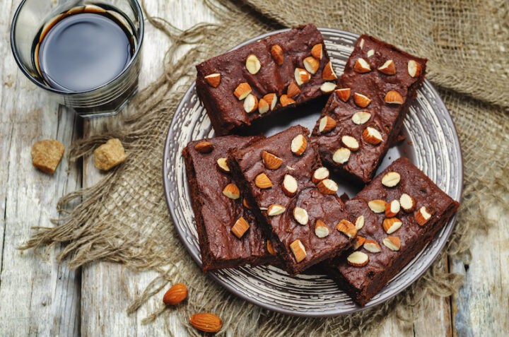 Almond butter brownies dates with almonds