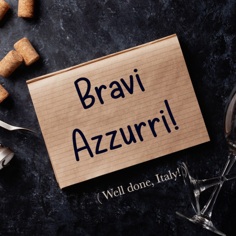 """cover image with the phrase """"Bravi Azzurri!"""" and its translation written on a notepad"""